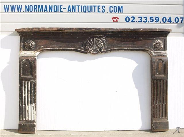 Cheminée de style Louis XV du XVIIIe siècle - Notre Dame du Touchet