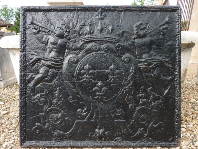 Plaque de cheminée d'époque Régence - Les Chères