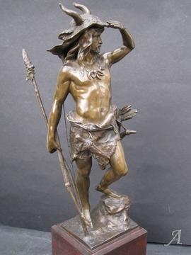 Sculpture en bronze de Paul Kowalczewski représentant un chasseur préhistorique - Paris