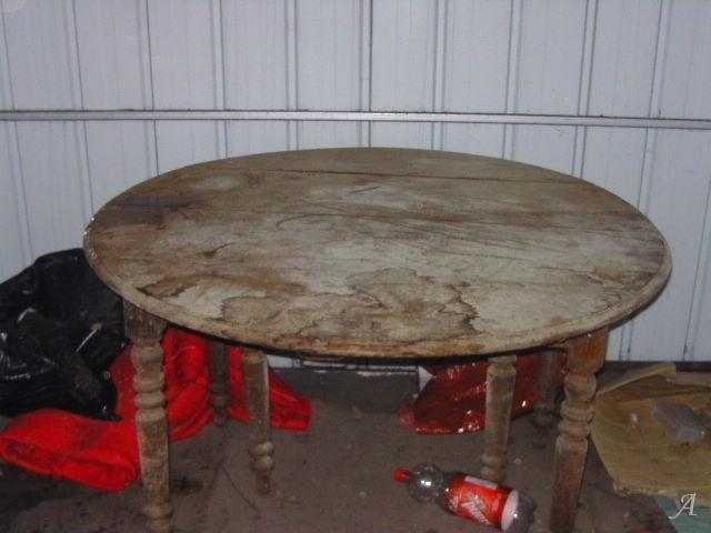 Table ronde du XIXe siècle et de style Louis-Philippe - Valenciennes