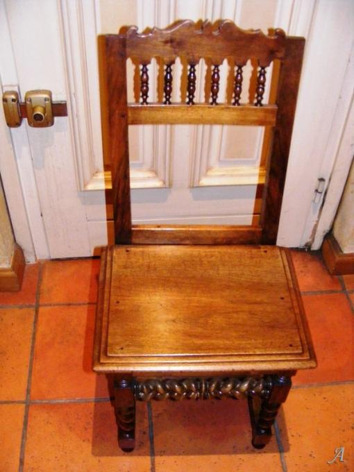 Série de six chaises de style Louis XIII - Villeurbanne