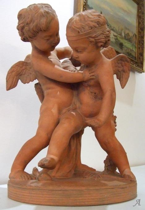 Deux Cupidons - Groupe en terre cuite du XIXe siècle - Paris