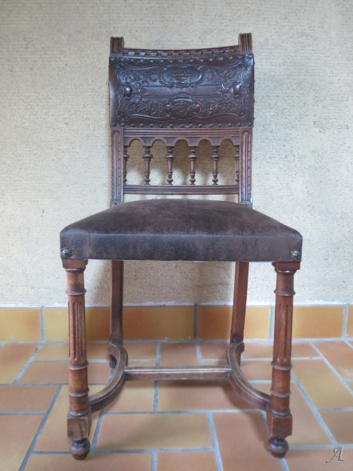 Suite de 4 chaises Henri II - La Chevrolière