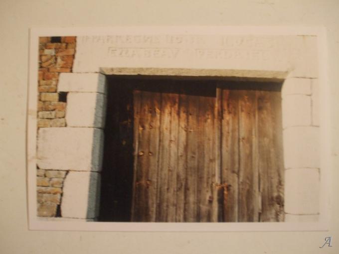 Entourage de porte en granit - Viessoix