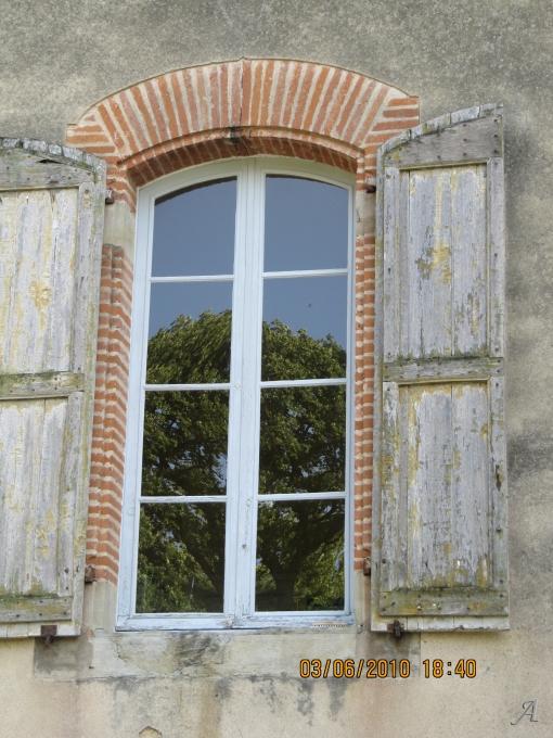 Fenêtres de château du XIXe siècle - Saint Sulpice