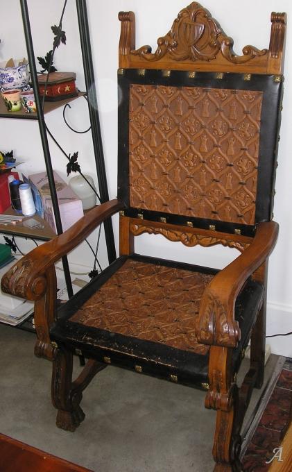 2 fauteuils renaissance espagnole - Saint Vincent de Boisset