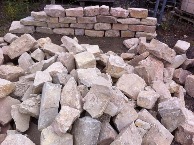 Pierres de murs a maçonner - Rainville