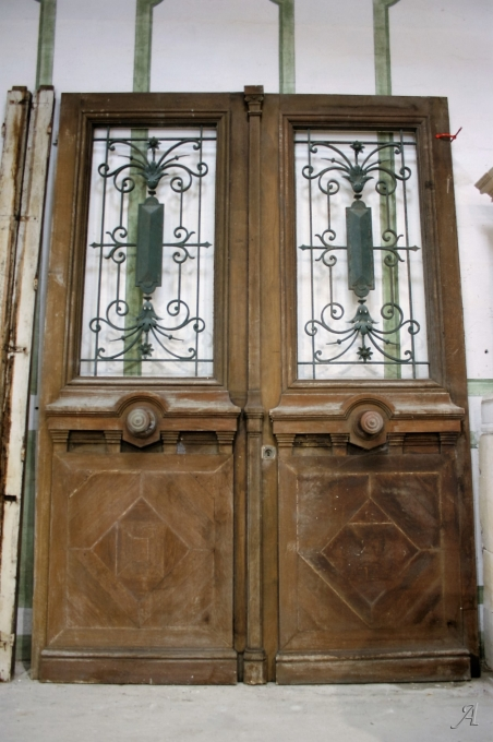 Tres grandes portes en chêne -  Aytré