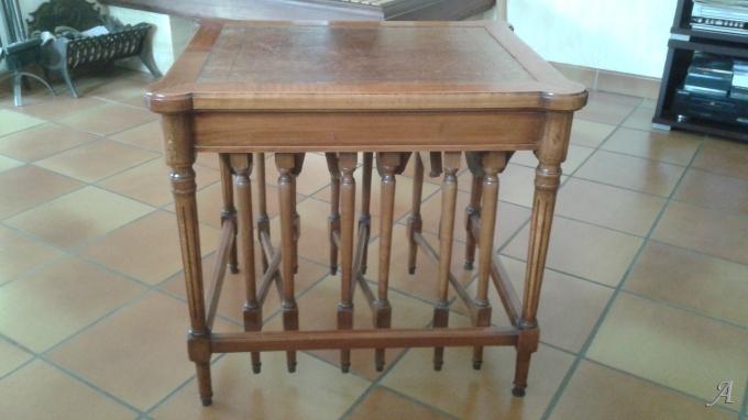 Tables gigognes en merisier - Champigny sur Marne