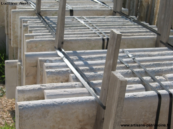 Bordure pour piscine en pierre ancienne - Forte Dei Marmi