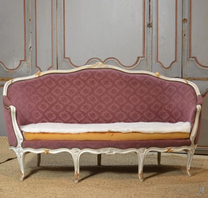 Canapé corbeille en bois laqué époque XVIIIe siècle - Notre Dame du Touchet