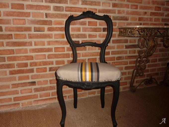 Chaise en noyer de style Régence - Aumale