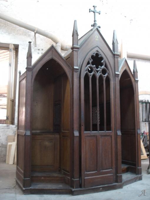 Confessionnal de style gothique années 1930 - Beziers