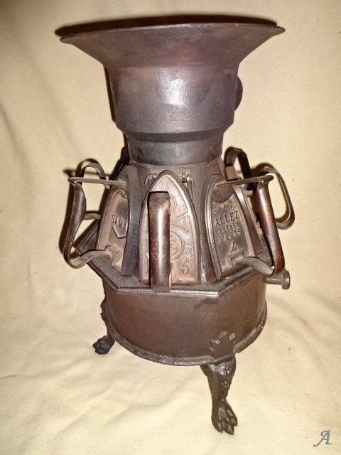 Poële en fonte pour fers à repasser - Gradignan