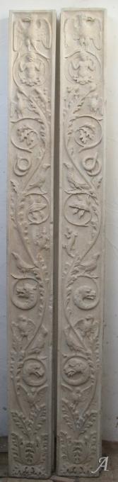 Montants de porte Renaissance en pierre marbrière - Porto Vecchio