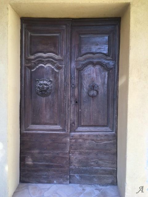 Portes anciennes du XVIIIe siècle de l'Aveyron - Hyères