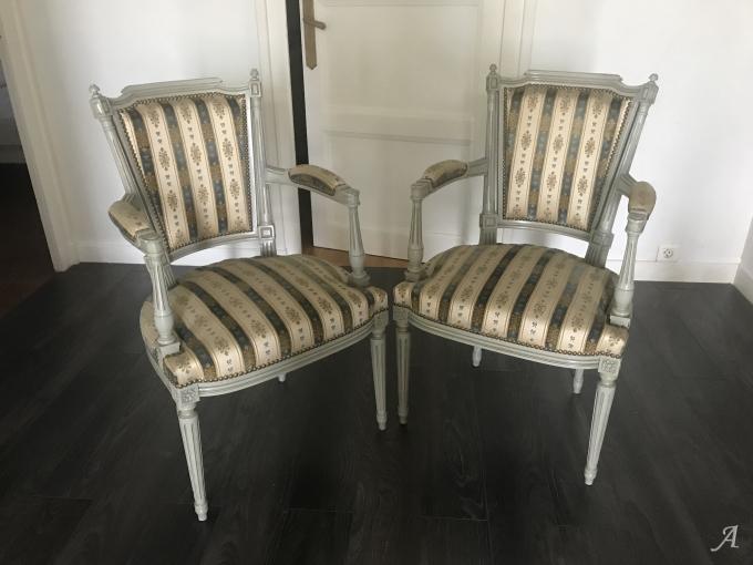 Salon de style Louis XVI rénové - Bron