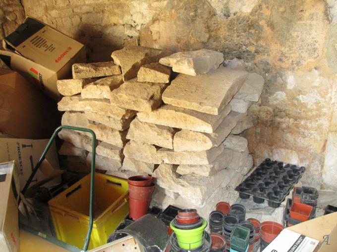 Dalles anciennes en pierre calcaire blanche - Paris