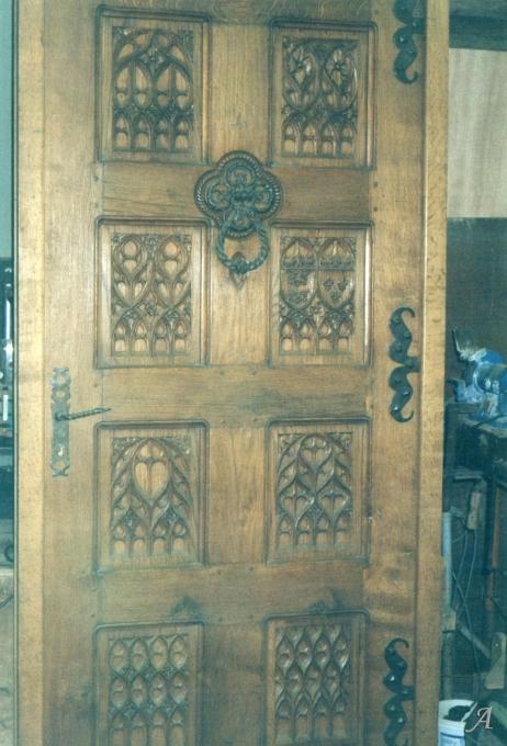 Porte d'entrée à fenestrages gothiques - Saint Martin de Mailloc
