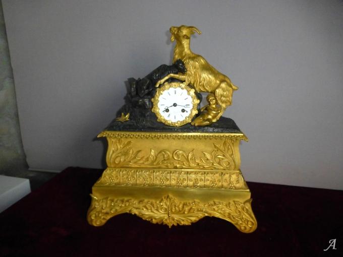Pendule en bronze doré d'époque Louis Philippe - Nieul les Saintes