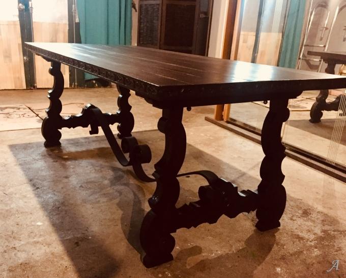 Table espagnole du XVIIe siècle - Saint Étienne