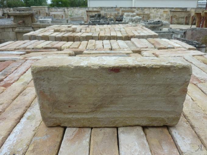 Lot de briques anciennes en terre cuite - L'Isle sur la Sorgue
