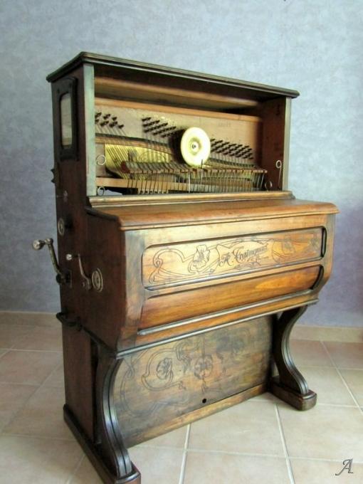 Petit piano mécanique 1900 - Villeurbanne