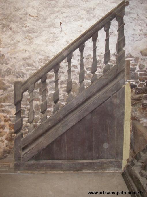 Escalier rampe à balustres ancien - Laval