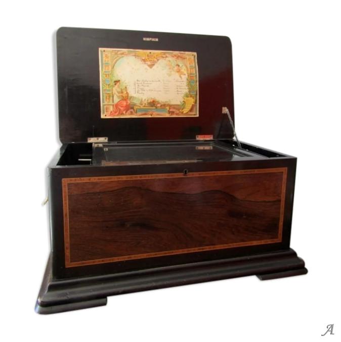 Grande boîte à musique Napoléon III avec tambour et 3 cloches - Villeurbanne