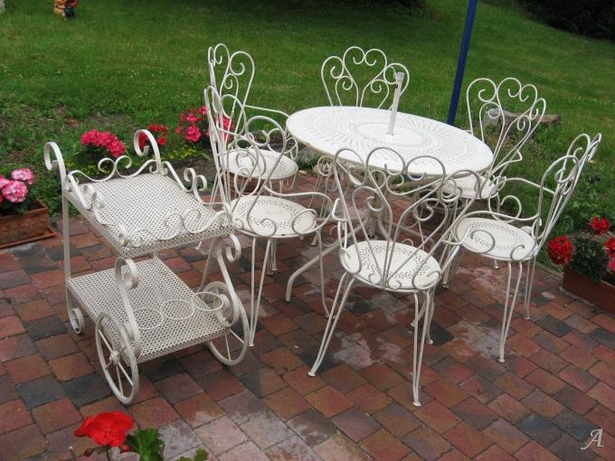 Salon de jardin en fer forgé blanc - Elincourt