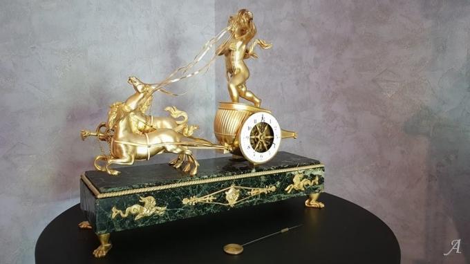 Pendule au char de l'Amour en bronze doré - Villeurbanne