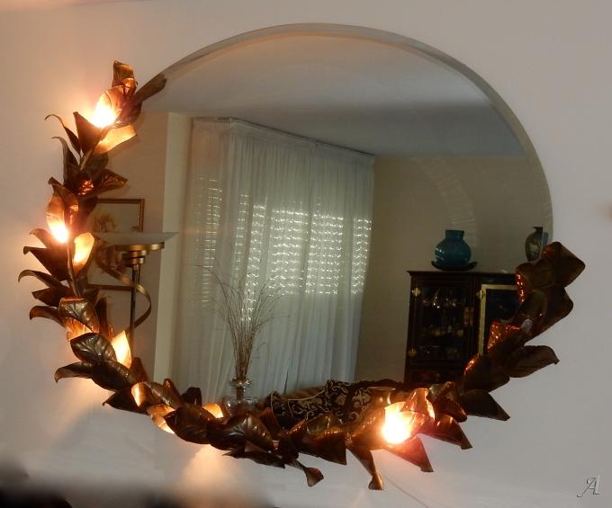 Miroir éclairant à décor bambou au feuillage de style Duval Brasseur par Barbier -  Clamart