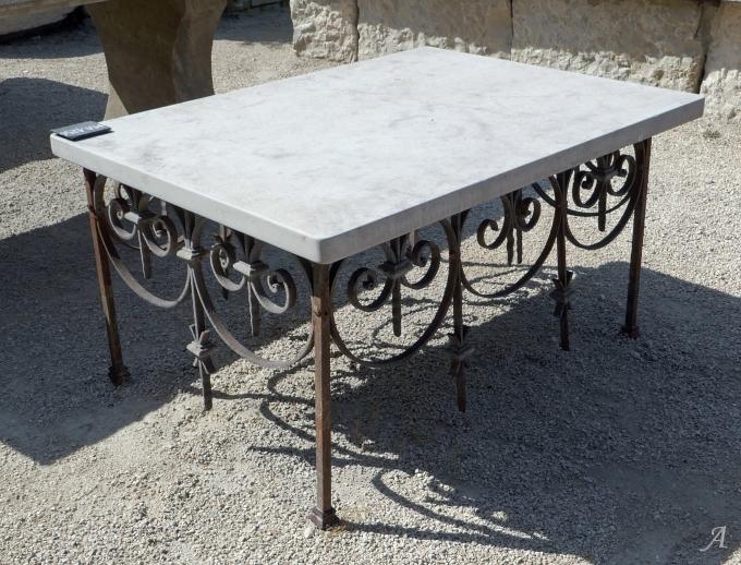 Table basse en matériaux anciens - L'Isle sur la Sorgue