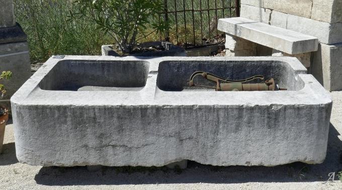 Lavoir double bacs en pierre ancienne - 1