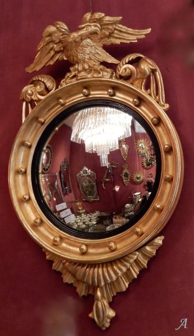 Miroir convexe à l'aigle en bois doré -  Clamart