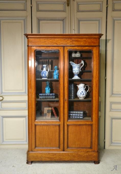 Bibliothèque en acajou de style Louis Philippe - 1