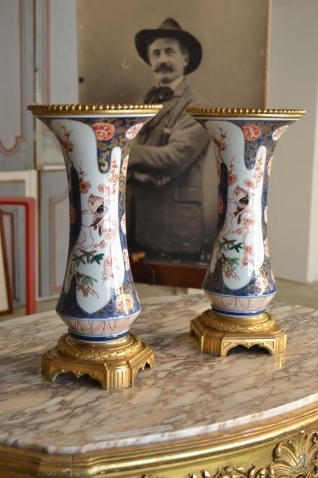 Paire De Vases cornet en porcelaine, Imari XIXe siècle - 1
