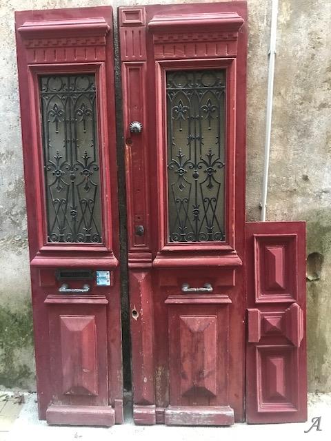 Grandes portes en bois massif et fer forgé - Gignac