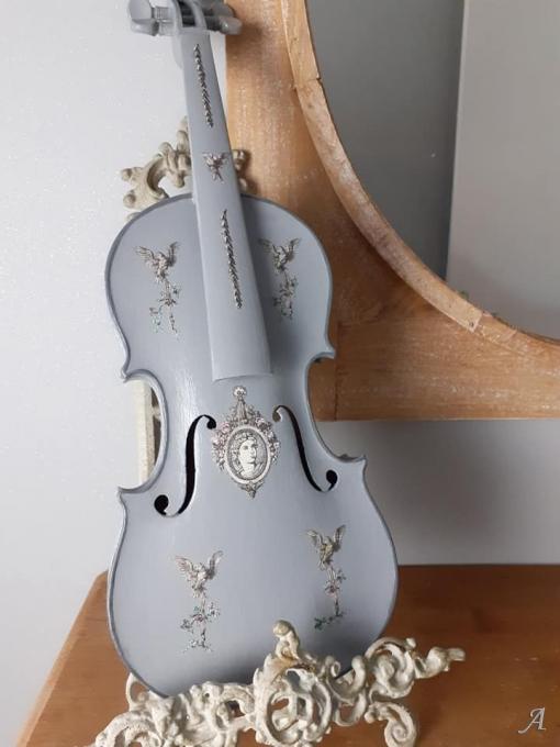 Ancien violon en Arte Povera - 1