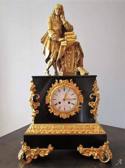 Pendule Napoléon III en bronze doré - Peronnas