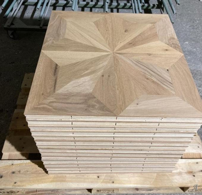 Panneaux de parquet étoile en vieux bois de chêne - Unirea