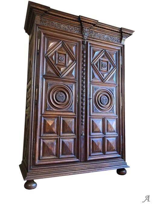 Grande armoire de boiserie du XVIIe siècle - Rougé