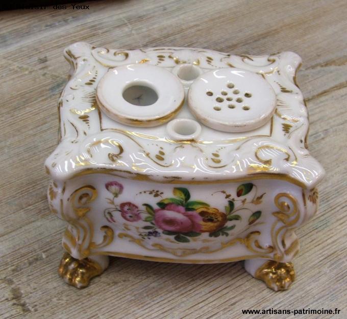 Encrier ancien en porcelaine de Paris - Grieges