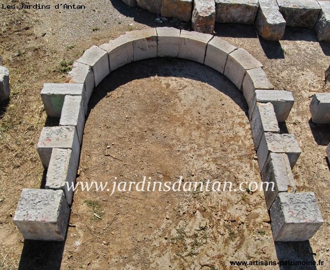Porche en pierre froide massive - Lattes