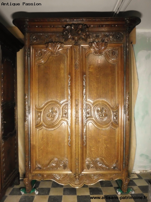Armoire normande de style Louis XV - Jollain Merlin