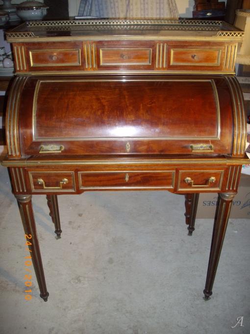 Bureau cylindre en acajou de style louis XVI - Orbec