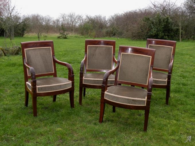 Suite de 4 fauteuils d'époque Empire - Nantes