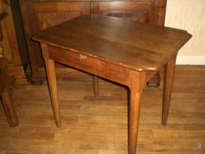 Table bureau en merisier - Chatelus le Marcheix