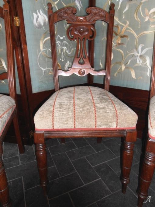 Suite de 4 chaises anglaises du XIXe siècle - Brugheas