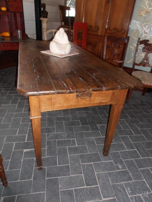 Table de ferme du début du XIXe siècle - Brugheas